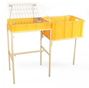 Stůl odvíčkovací plast/kov s odkládáním